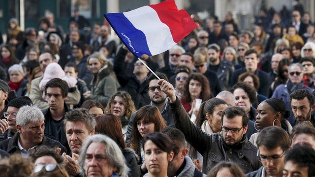 Europe falls silent to show support for Paris