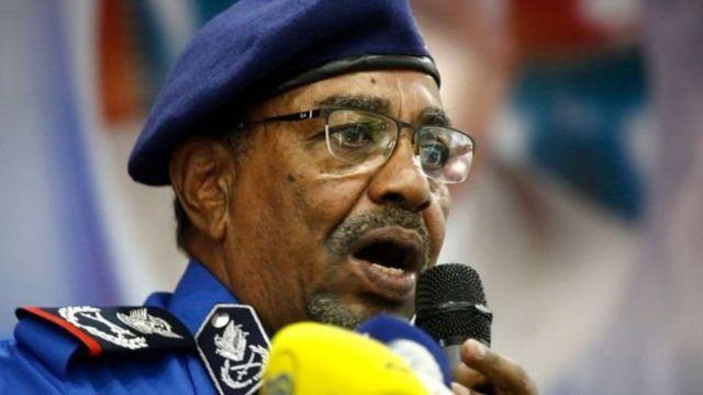 Presiden Omar al-Bashir mulai berkuasa pada tahun 1989 lewat kudeta militer.