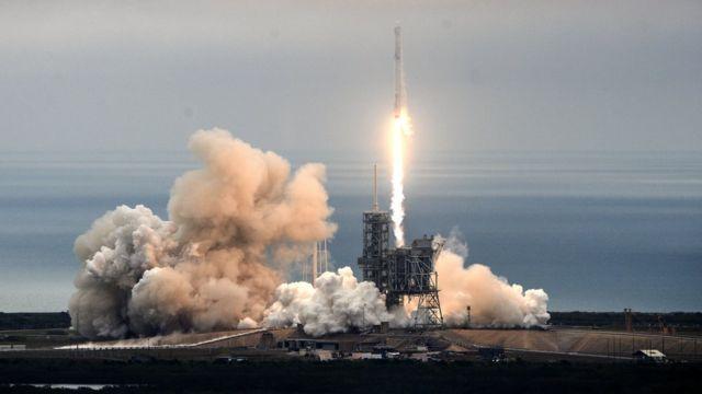 старт Falcon-9 Heavy
