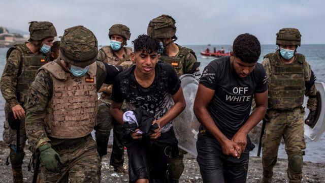 عدد كبير من اللاجئين تدفقوا إلى سبتة