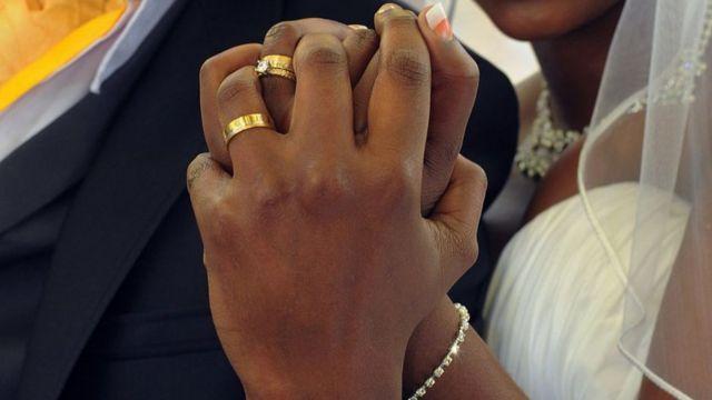 interdiction mariage nuit Mombassa Kenya Gang crime sécurité