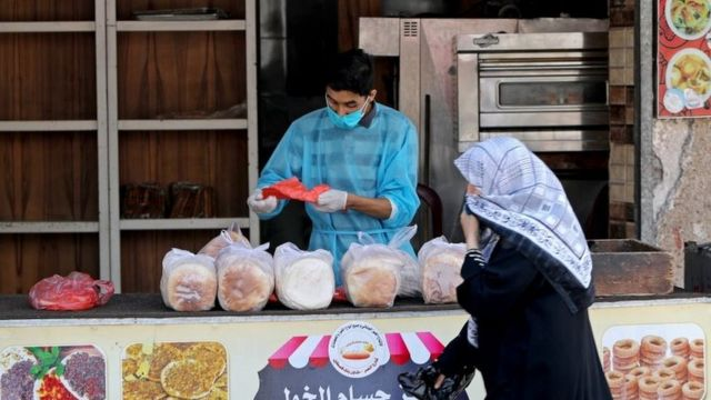 در غزه به دلیل تراکم جمعیت زیاد در مساحت کم و امکانات کم بهداشتی کرونا میتواند بسیار خطرناک باشد