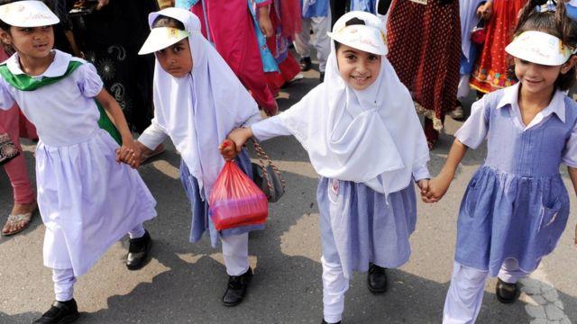 Schoolgirls in Islamabad