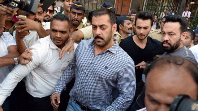 Salman Khan hanze ya sentare