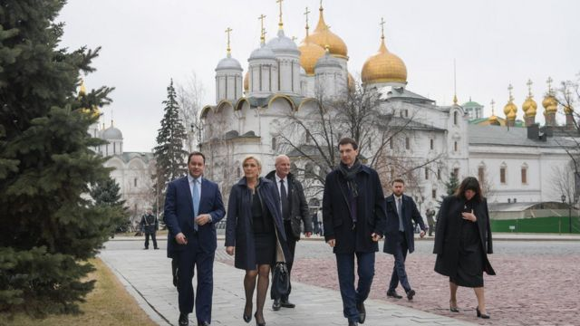 Ле Пен посетила в Кремле выставку и по этому случаю была принята Путиным, объяснил Песков