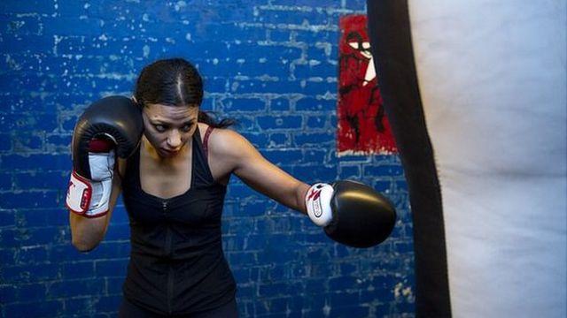 Ruqsana Begum boxing