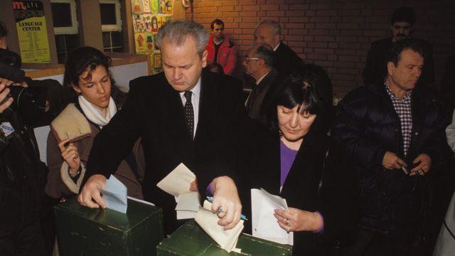 NEKO JE U SLUŽBI PROCIJENIO DA MU JE 'ISTEKAO ROK TRAJANJA'? Dvije decenije od ključnih izbora na kojima je Milošević pao