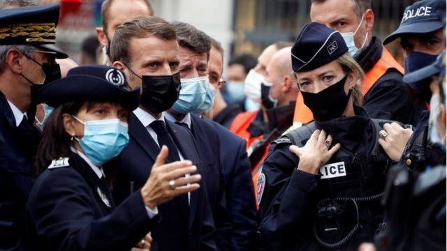 الرئيس الفرنسي ماكرون وعد بحملة على المتشددين الإسلاميين.