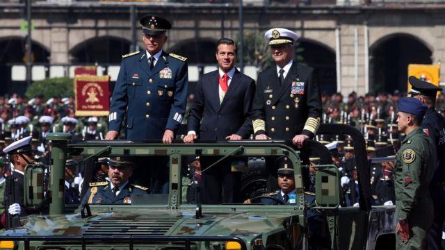 Salvador Cienfuegos, Enrique Peña Nieto y Vidal Soberón