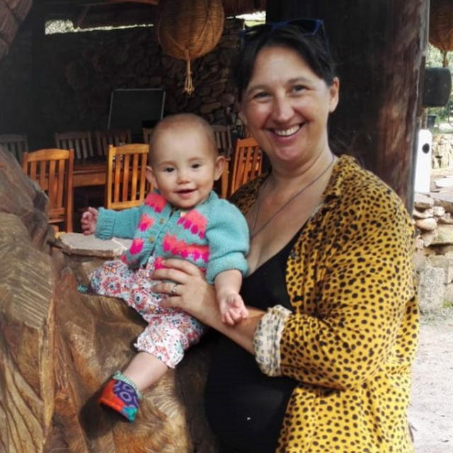 Claire Bell e a filha Fintry