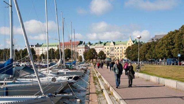 핀란드 속담에 '침묵은 금이고, 말하는 건 은이다'라는 말이 있다