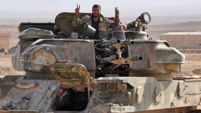 Армия Башара Асада долгое время вела осаду Дейр-эз-Зора