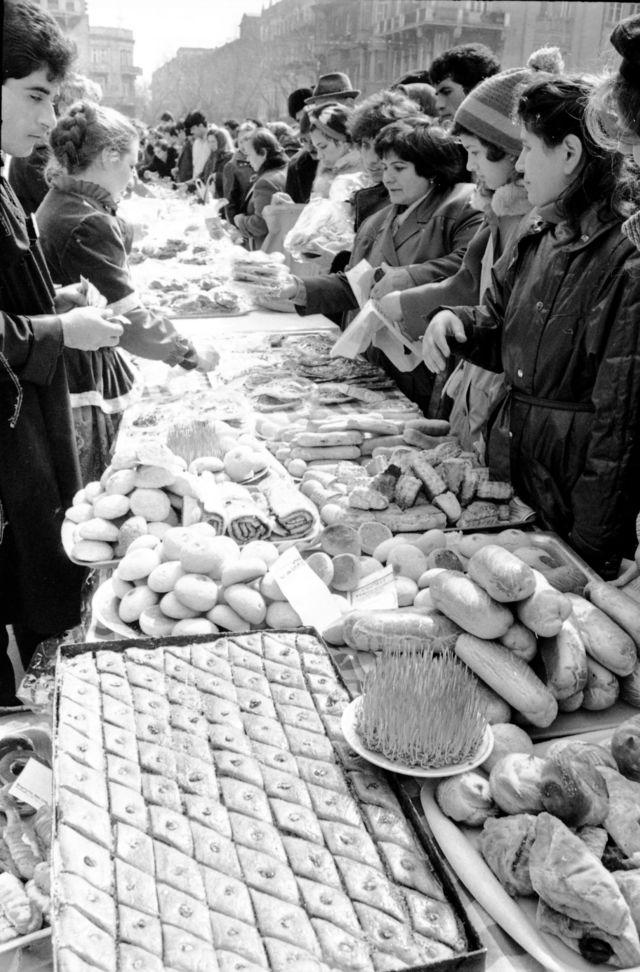 Bakı şəhərində İçərişəhərdə Novruz bayramı şənliyi (20 mart 1989).