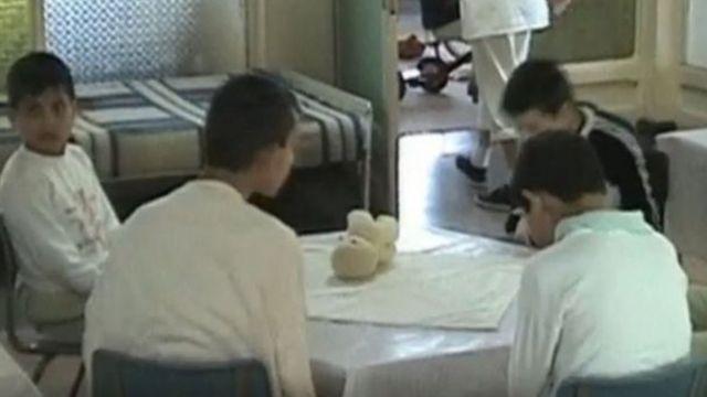 Anak-anak panti asuhan Ceausescu