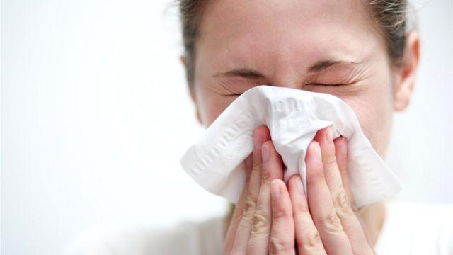 К тому времени, когда симптомы гриппа станут очевидными, человек уже как минимум сутки был вирусоносителем и разносил заразу