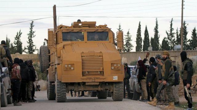 عناصر من القوات التركية على أطراف منبج