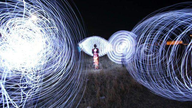 Marcus Neustetter tells stories through images of light