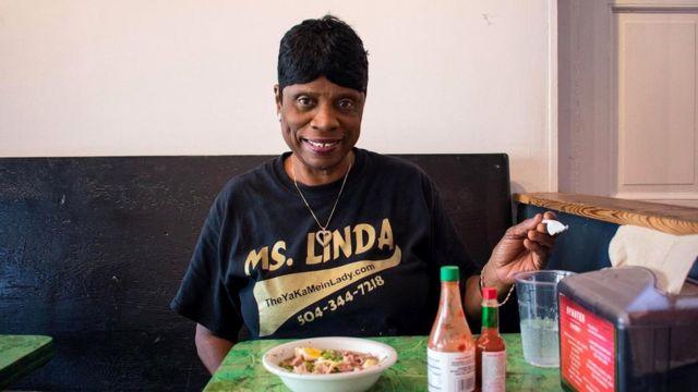 """Прозванная """"Госпожой Якамейн"""" Линда не представляет, как можно готовить это острое блюдо без мяса аллигатора"""