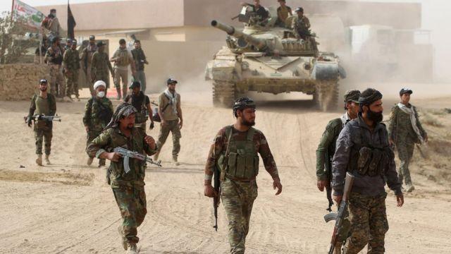 مقاتلون من الحشد الشعبي يشاركون في عمليات الموصل