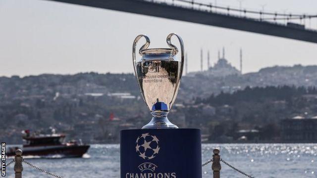 صورة من المباراة النهائية لدوري أبطال أوروبا في اسطنبول عام 2005