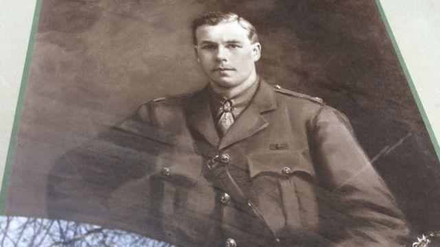 Memorial stone laid to WW1 officer Donald Mackintosh in Glasgow