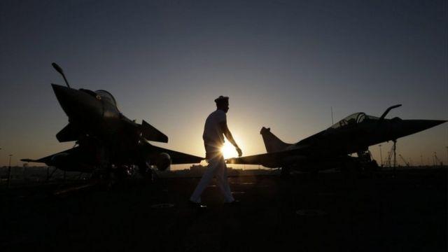 इराक़ में जंगी विमानों की फाइल फोटो