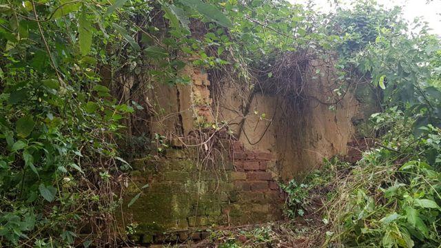 Ruinas de uno de los edificios
