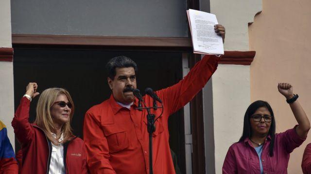 Cilia Flores, Nicolás Maduro y Delcy Rodríguez