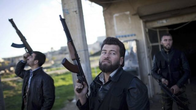 US signals shift in Syria-Iraq campaign against Islamic State