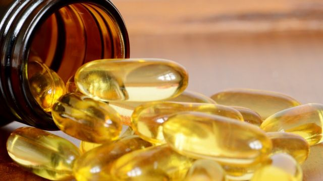 Vitamin D supplements 'advised for everyone'