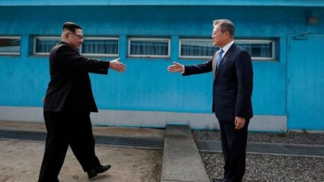 Ким Чен Ын 1953-жылы Корей согушу токтогондон бери Түштүк Кореяга өткөн биринчи КЭДР лидери болуп калды