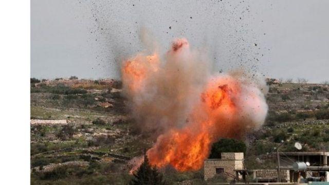 ألسنة لهب تتصاعد في إحدى مناطق إدلب.