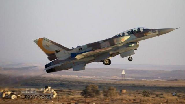 Jato israelense decola