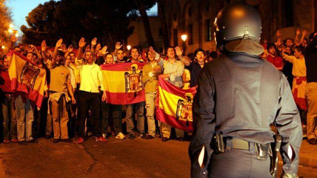En 2005, los seguidores de Franco protestaron por el retiro de su última estatua en Madrid.
