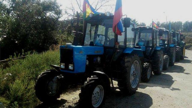 Колонна тракторов