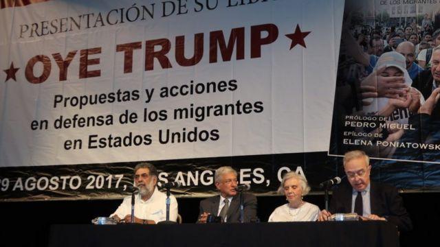 """AMLO en la presentación de su libro """"Oye Trump"""""""