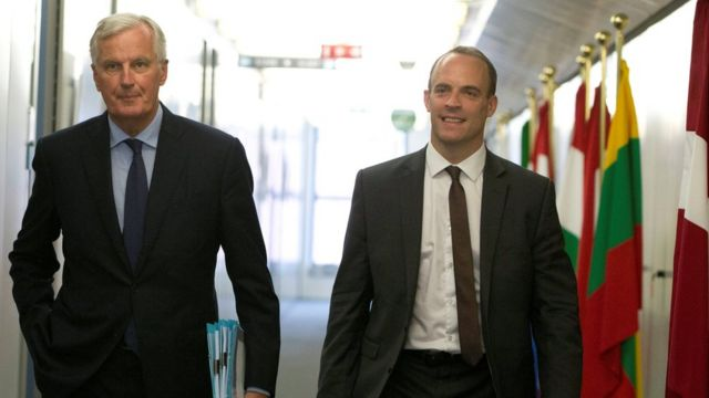 Michel Barnier (left) with Dominic Raab