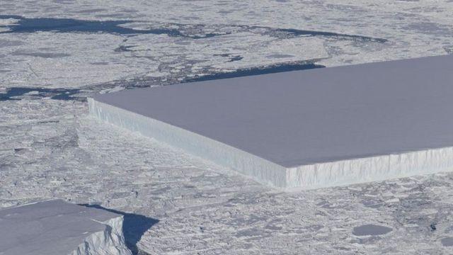 Nasa photographs rectangular iceberg