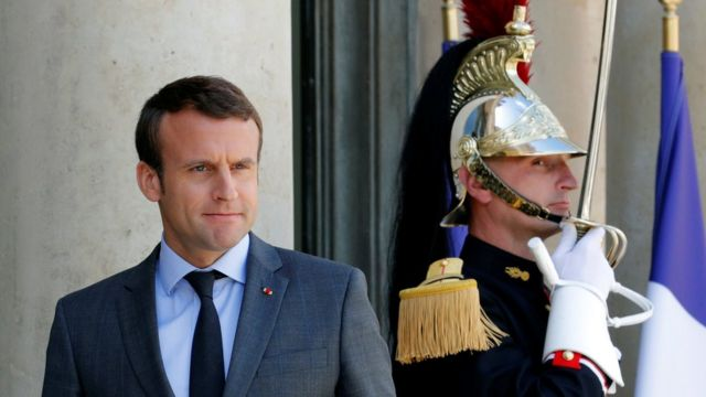 Overseas French back Macron movement in first round of voting