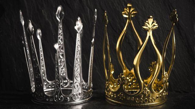 Две короны