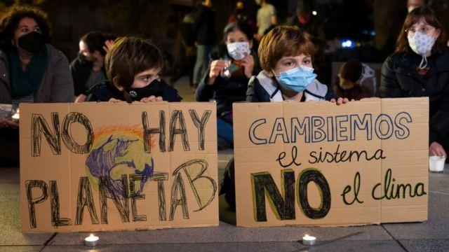 Niños en una protesta contra el cambio climático en Madrid
