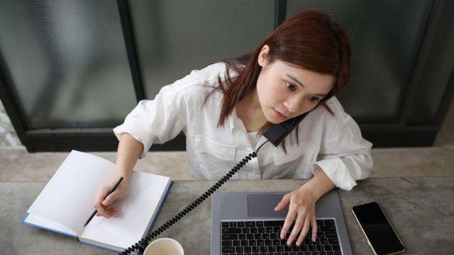 Há uma série de pesquisas mostrando que tentar fazer várias coisas ao mesmo tempo pode levar a erros