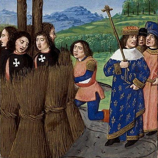 """Rey Felipe IV de Francia ordenando la muerte con fuego de los templarios que """"confesaron"""" sus pecados."""