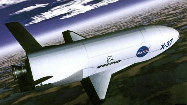 El Boeing X-37B podría servir como plataforma para poner en órbita pequeños satélites que podrían cumplir algunas de las funciones del U-2.