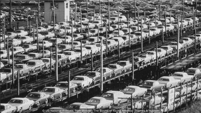 """戈迪""""生产线""""的工作方式是受到在底特律汽车厂工作的影响。"""