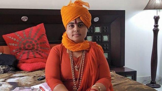দেবা ঠাকুর: ভারতের সবচেয়ে বিতর্কিত হিন্দু সাধ্বী
