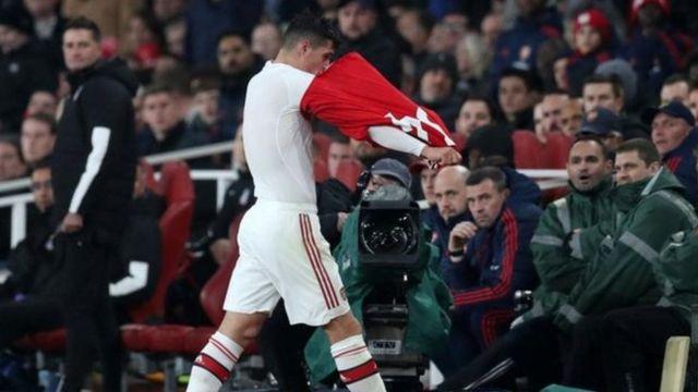 Granit Xhaka baada ya kutolewa wakati wa mechi kati ya Arsenal na Crystal Palace