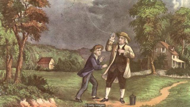 Nhà phát minh và nhà khoa học Benjamin Franklin đã thực hiện các thí nghiệm để khám phá những sự thật chưa biết về bản chất của sét và điện