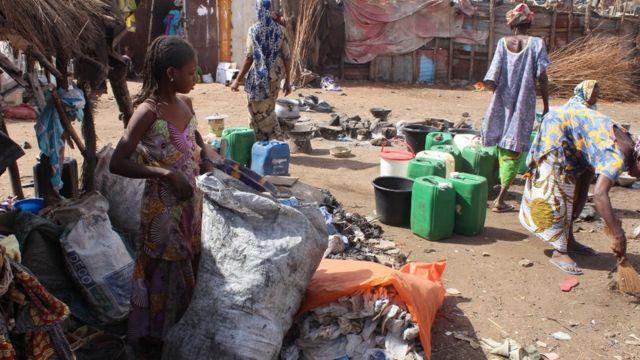 Un grand nombre de femmes parmi les déplacés