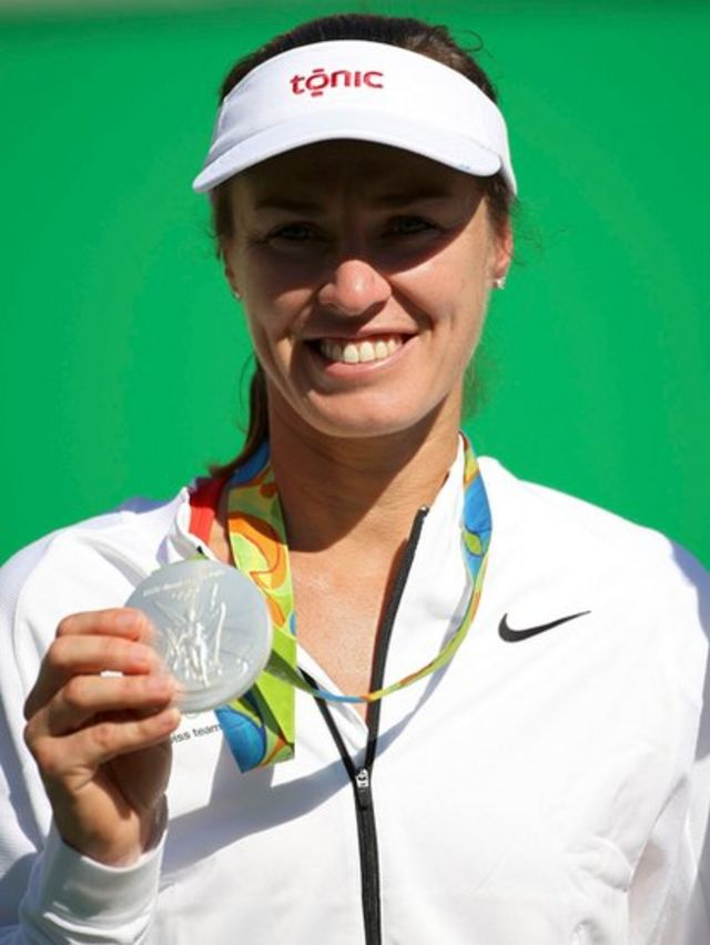 Martina Hingis con su medalla